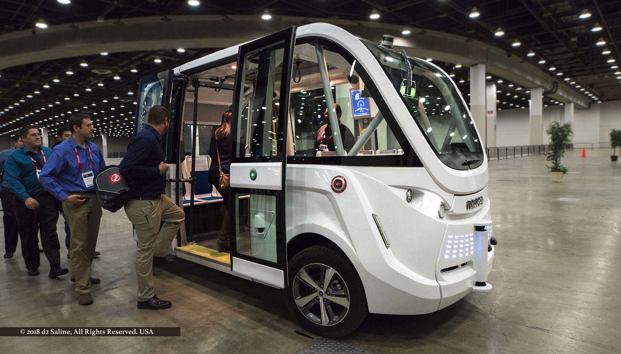 NAVYA self driving shuttle demonstration at SAE 2018 WCX World